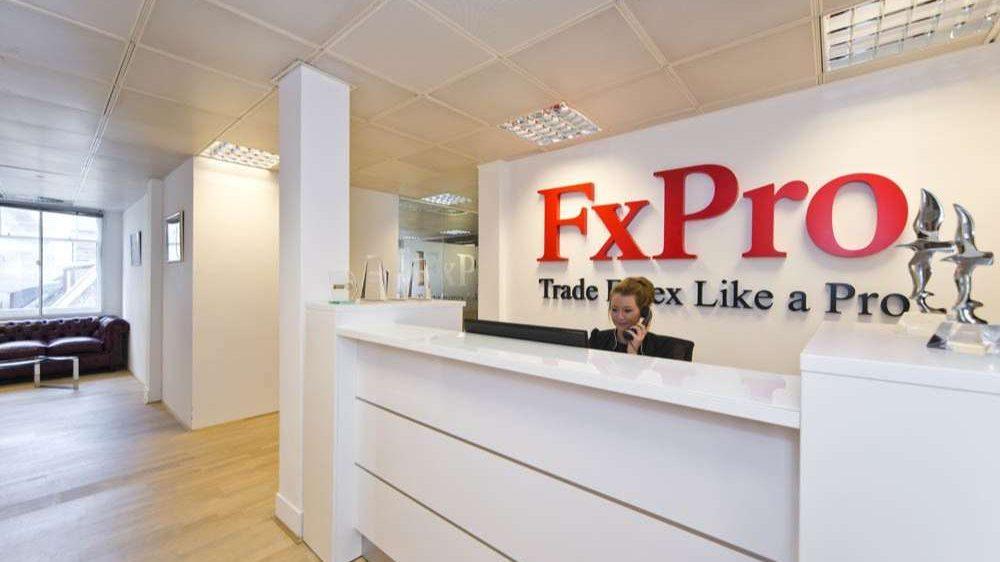 Hỗ trợ khách hàng sàn Fxpro